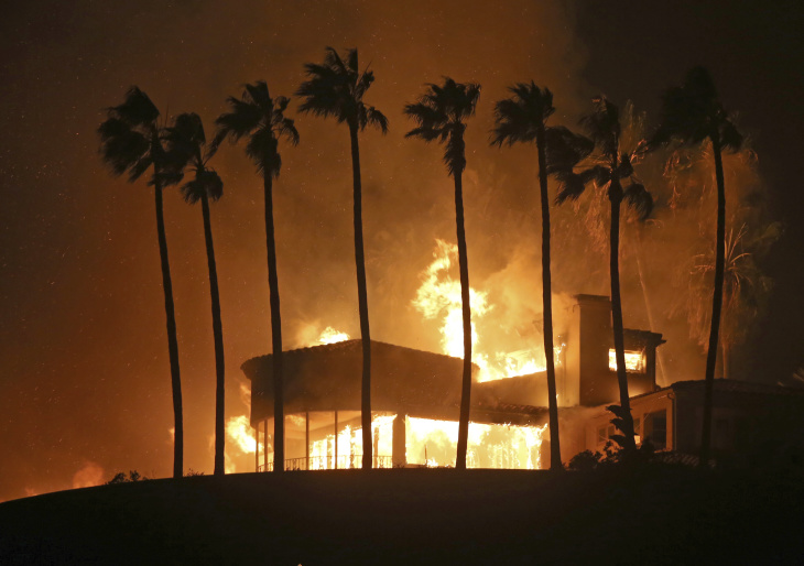 California Fires Are Getting Worse. What's Going On?: LAi