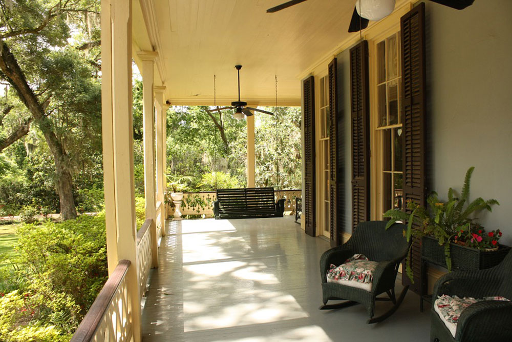 porch-186402_960_720 4 ways to increase the attractiveness of your home