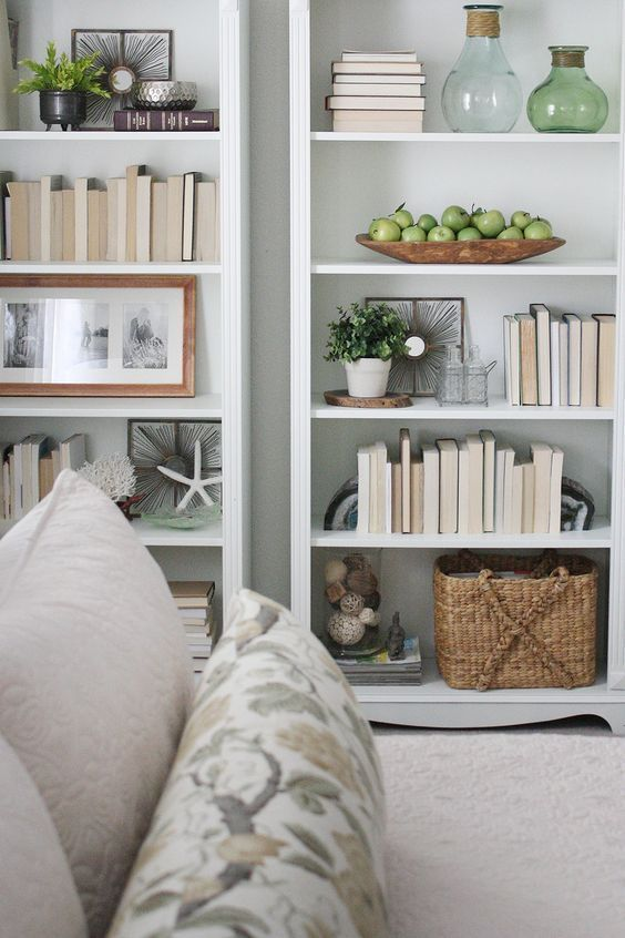 5 Simple Tips For Decorating Shelves | Home living room, Styling .