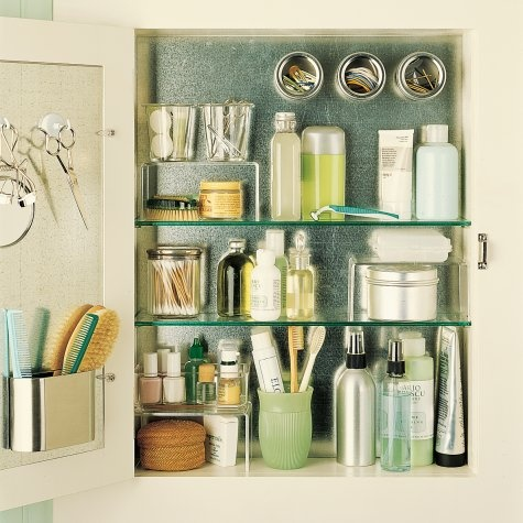 5 Tips to Organize Your Medicine Cabinet • SimpLeigh Organiz