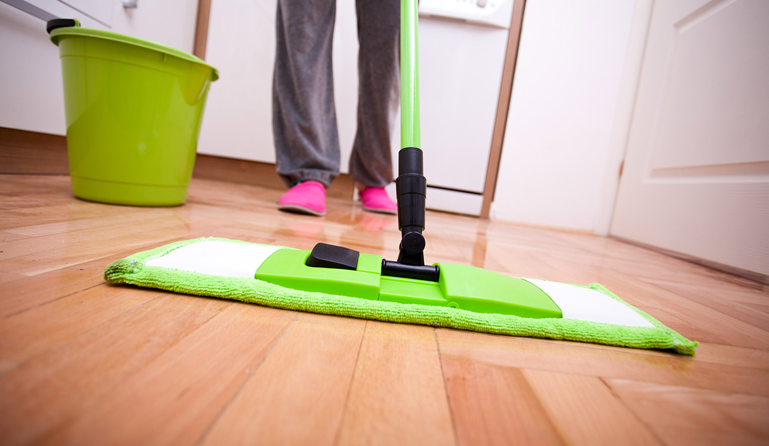 6 advantages of hiring a pro end of lease   cleaning company