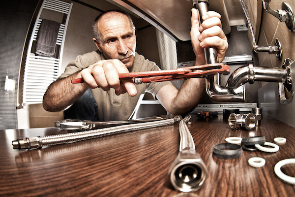 6 Signs You Need a Plumber - Acccurate Plumbi