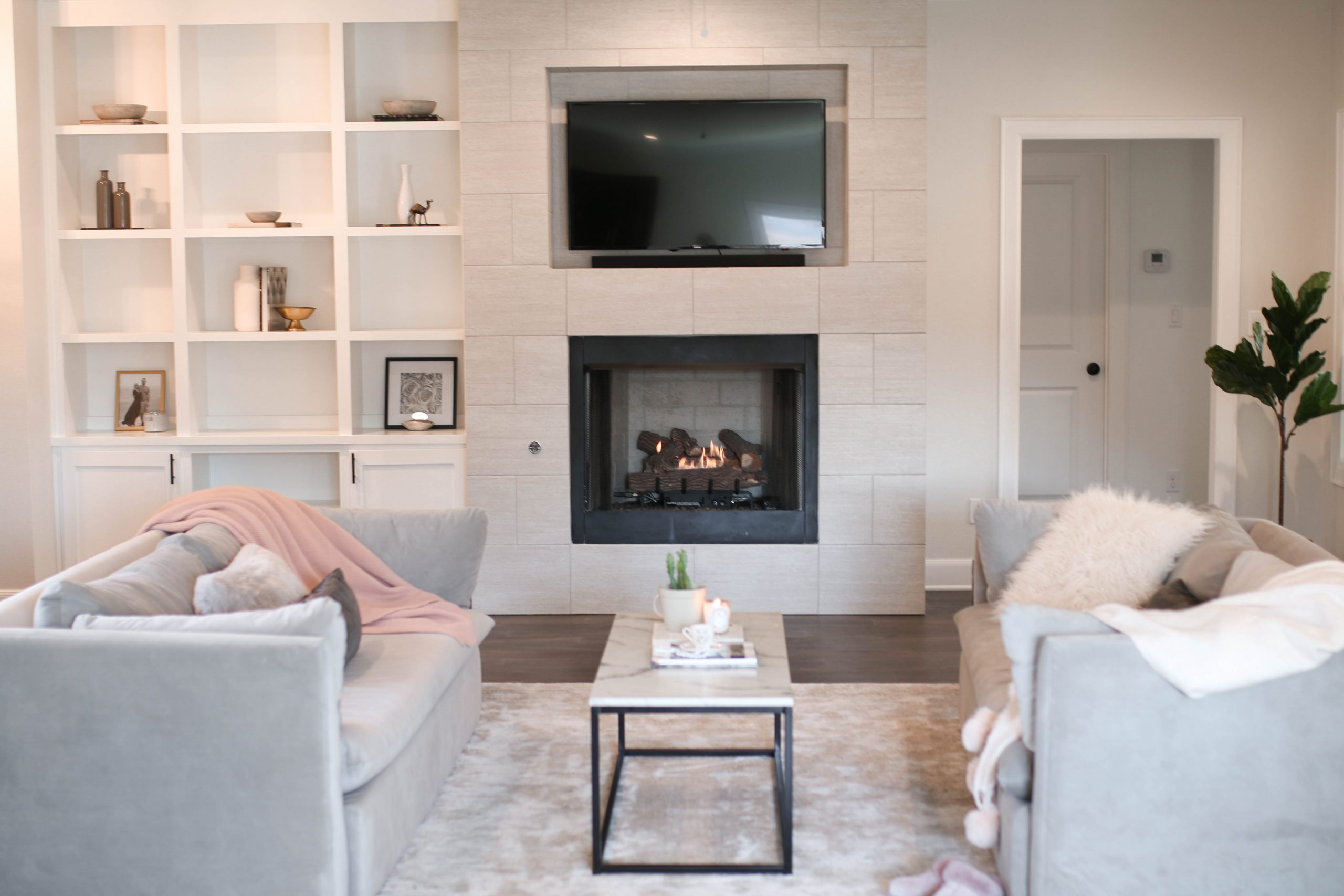6 tips to keep your living room looking   expensive