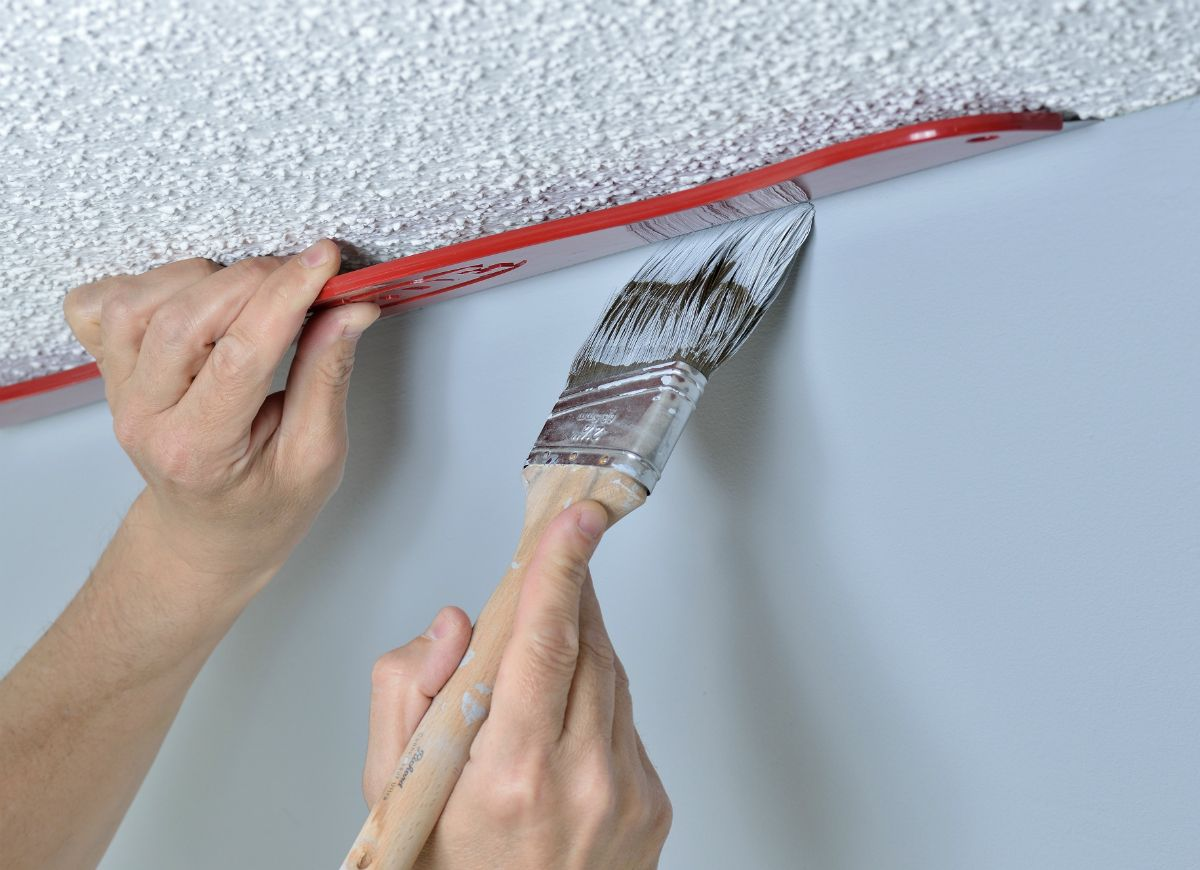 7 tools you should have to work on DIY   renovation projects