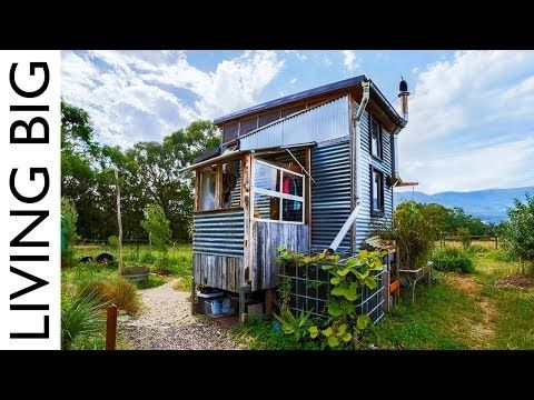 9 Things You Need to Live Off the Grid | Off grid tiny house, Tiny .
