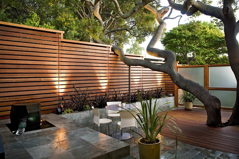 h2-1 Horizontal wooden fence ideas that look stunning