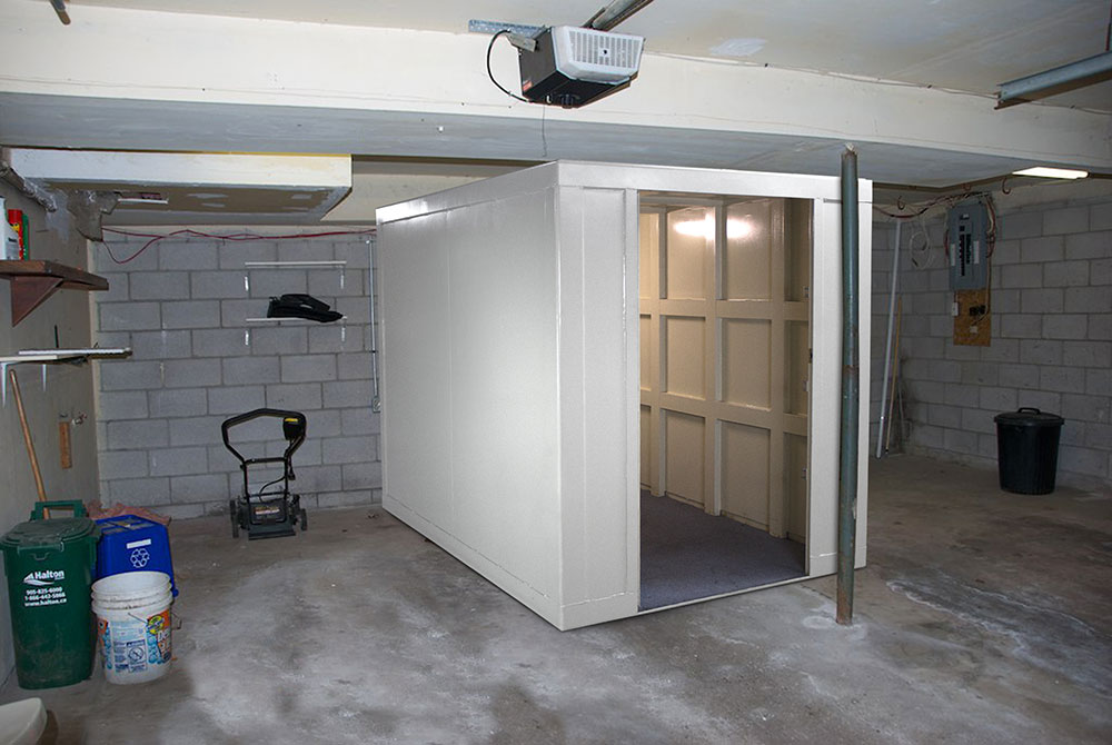 safeoom11 How do I build a fallout shelter in your basement?  Guide to a safe room