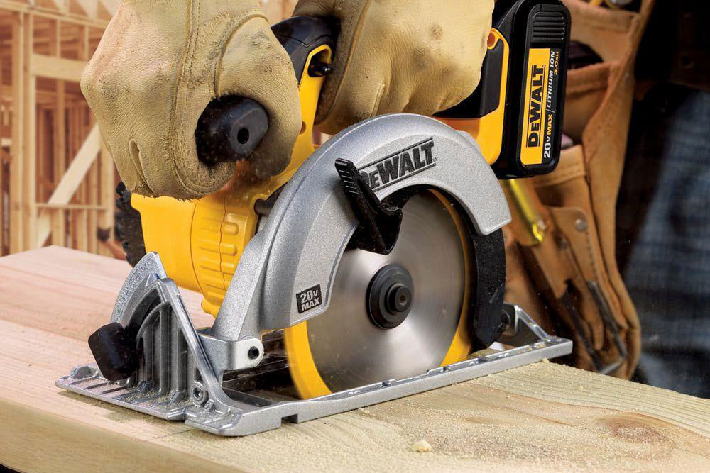 Circular saw How to cut a laminate board and which circular saw blade is used