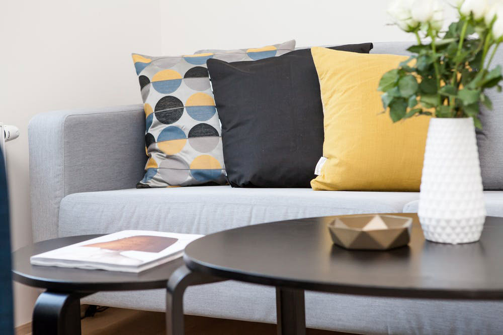 Cushions living room furniture ideas that will surely delight your guests