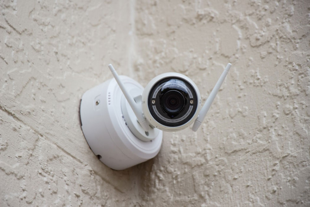 photo-1549109926-58f039549485 The importance of installing surveillance cameras