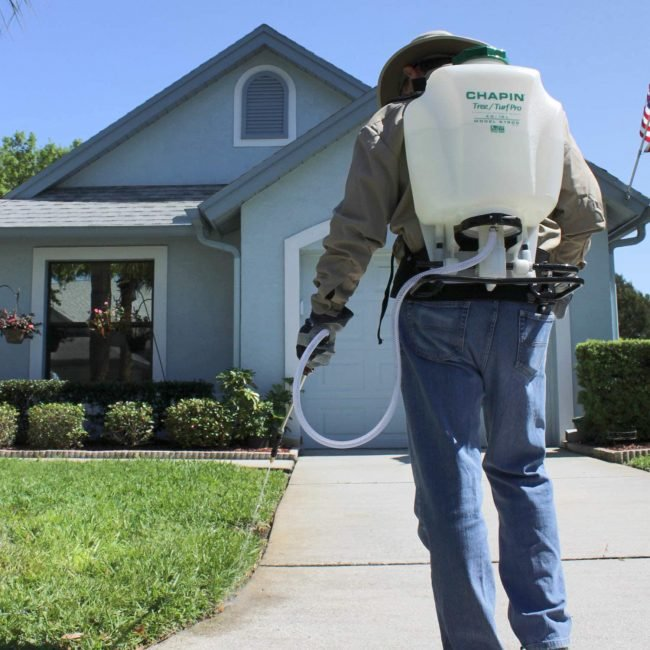 The Best Backpack Sprayers for Yard Work (Buyer's Guide) | Bob Vi
