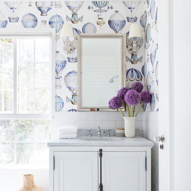 28 Bathroom Wallpaper Ideas That Will Inspire You to be Bold .