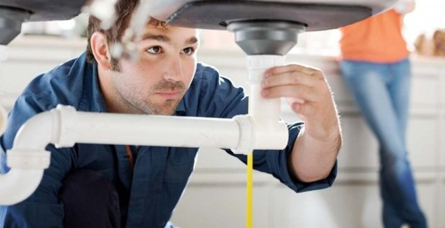 Benefits of Hiring A Professional Plumber - 24 Hour Emergency .
