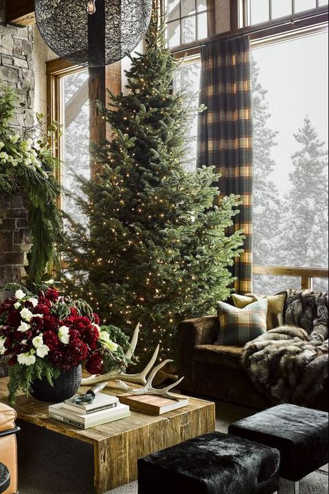25 Stunning Christmas Living Rooms - Holiday Living Room Decor Ide