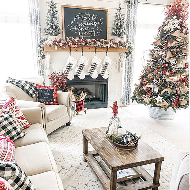 25 Stylish and Cozy Christmas Living Room Decor Ide