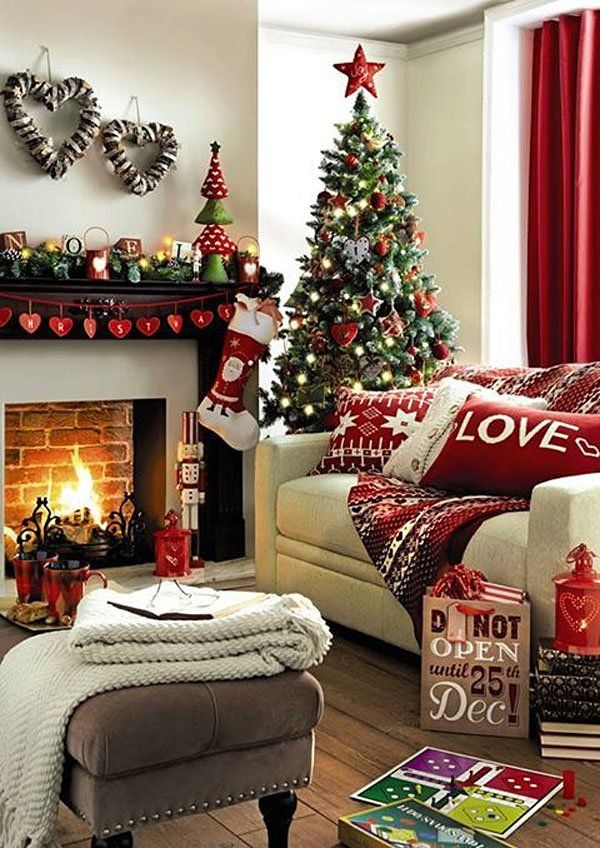 Christmas living room decorations that   you must try during the holiday season