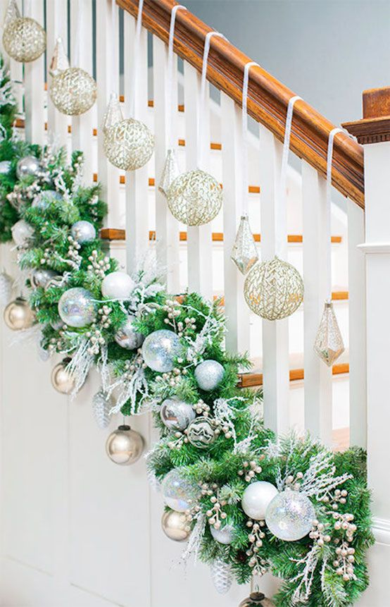Great ideas for decorating Christmas   stairs that you should definitely try