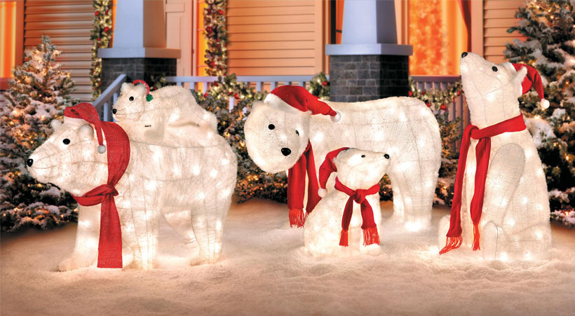 Go Beyond Lights With These 10 Christmas Yard Decoratio