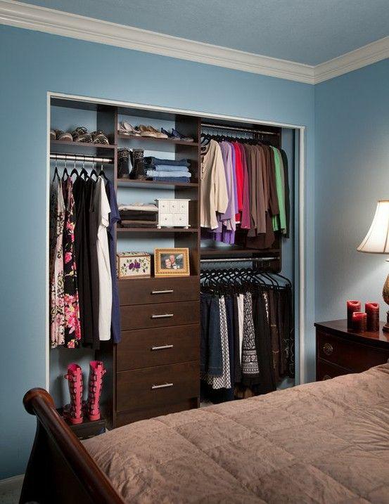 looks so good without closet doors | Closet small bedroom, Closet .