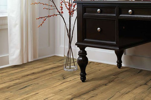 Dallas, TX, Shoppers Ask: Will Laminate Flooring Scratch? - Peek's .
