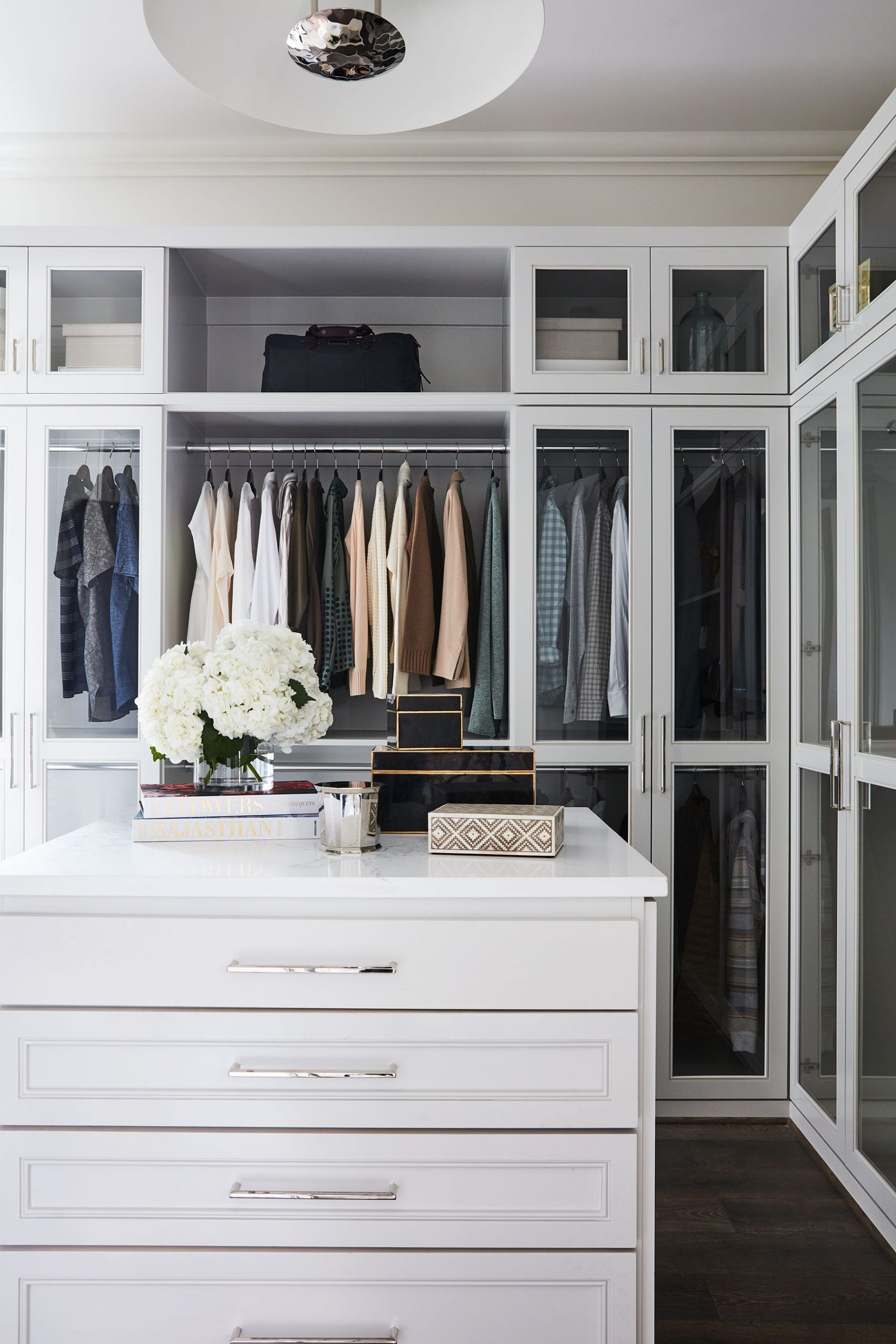 Cool ideas for walk-in closets that you   should have in your home