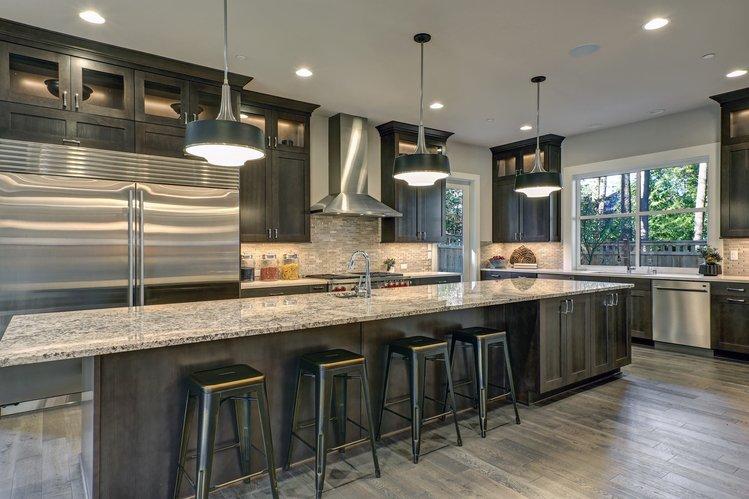 How Far Can Quartz Countertops Overhang? | Granite Selecti