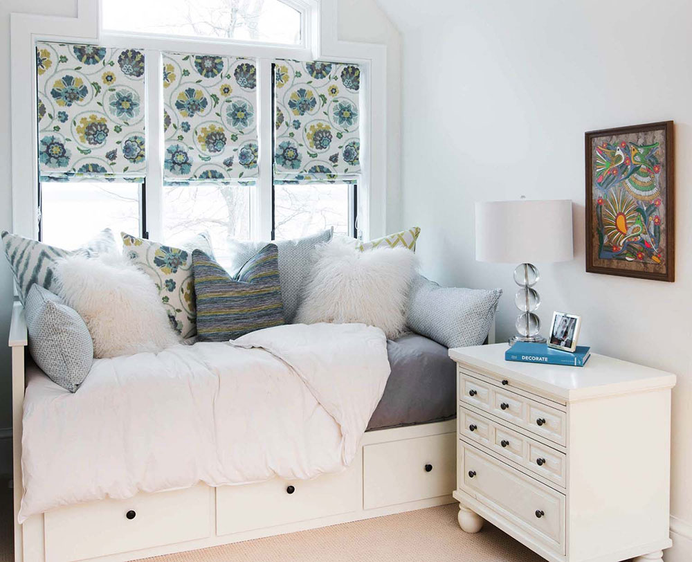 Decorate your little guest room