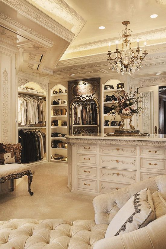 30 Walk-in Closets You Won't Mind Living In | Armario de lujo .