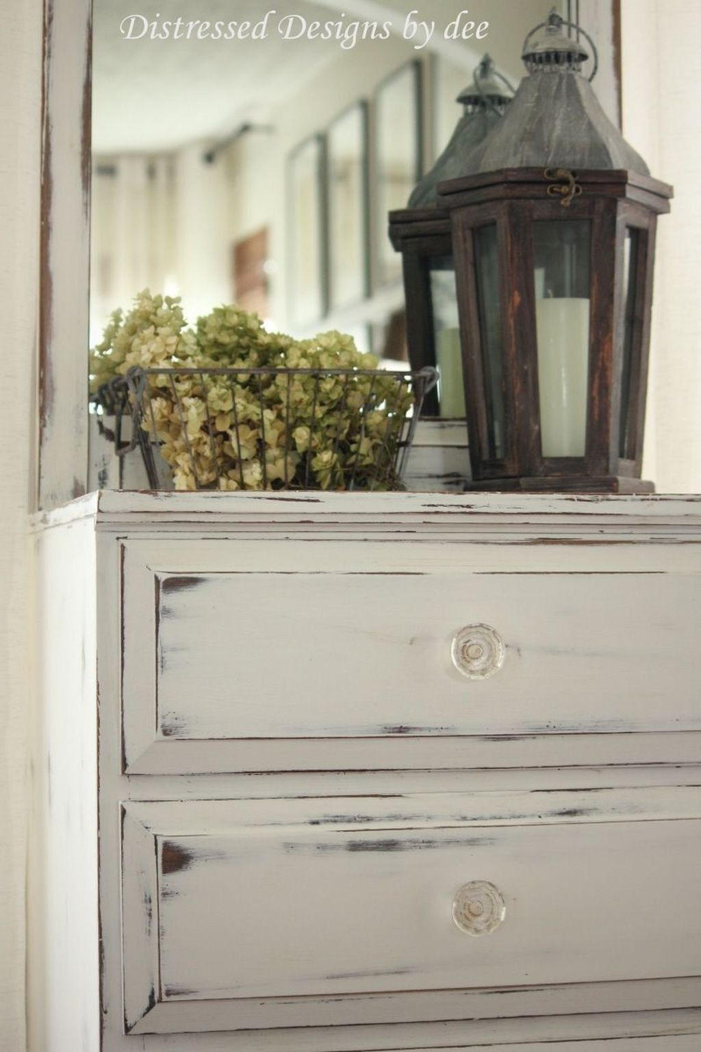 Ideas for using distressed furniture to   create an impressive interior design