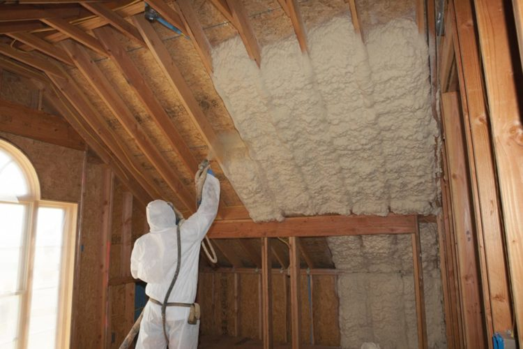How Much Does a Spray Foam Insulation Cos