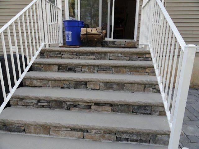 Front Step idea. I like the stone. | Front porch steps, Railings .