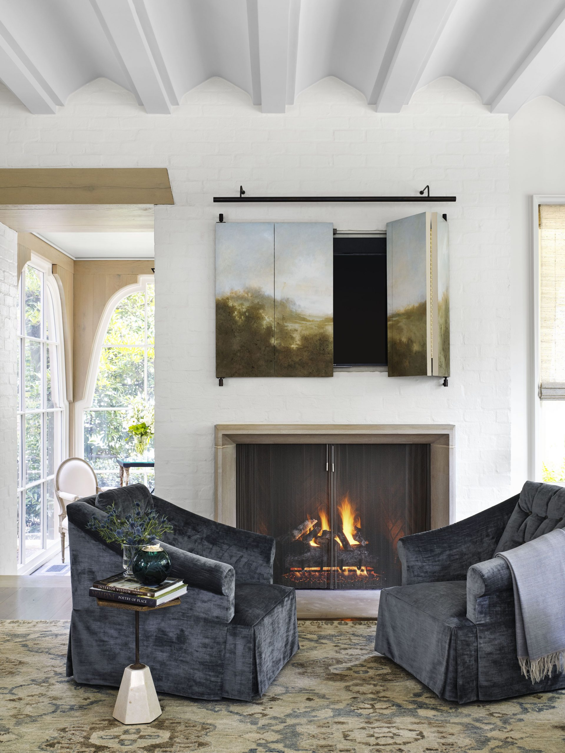 Hidden TV ideas for a more subtle decor   in your home