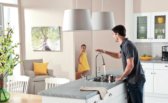 How Does A Touchless Kitchen Faucet Work - MorningToBed.c