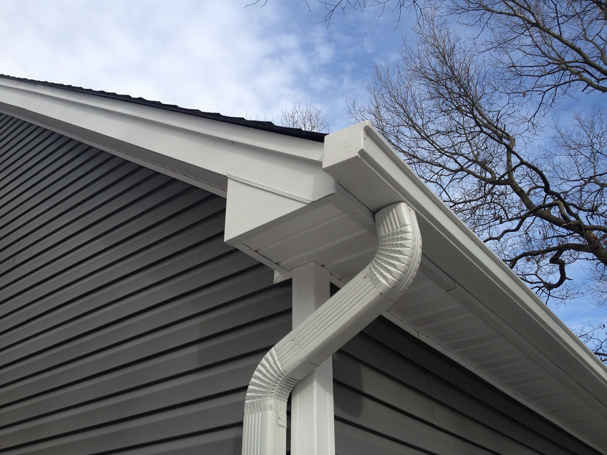 How much do seamless gutters cost?  What you should expect