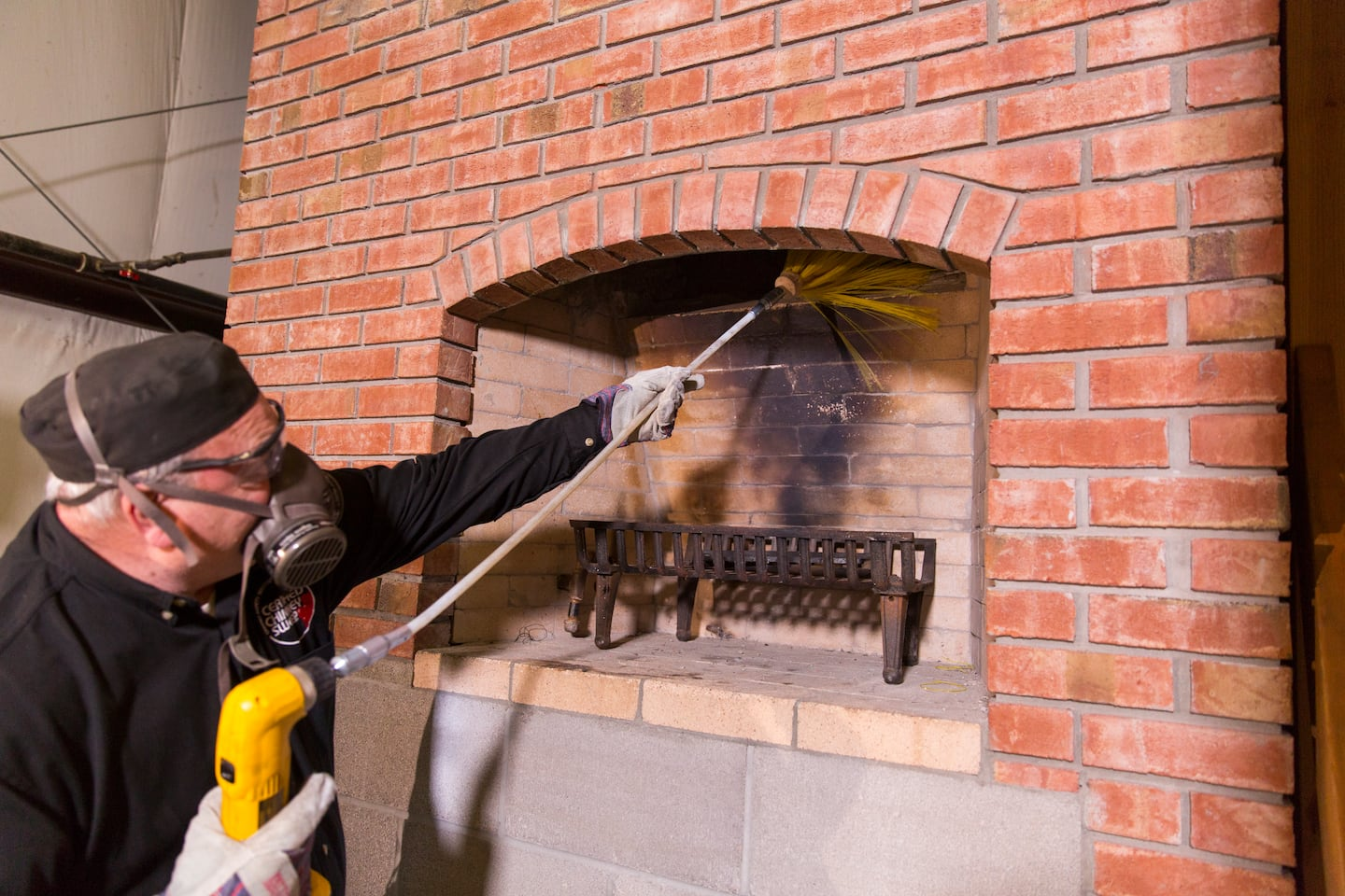 What does a chimney sweep cost? Knowing cleaning costs