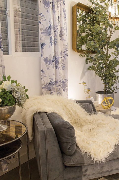 How to Decorate Small Spaces Using Sophisticated Glam Style - The .