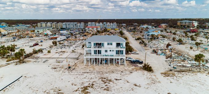 Hurricanes destroy beachside homes, but not this one | Popular Scien