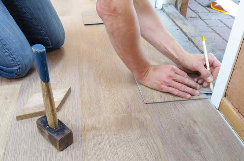 How to Fix a Laminate Floor That Got Wet | Drying Laminate Floori