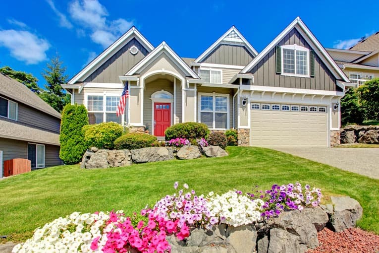 9 Quick Ways to Boost Your Home's Curb Appeal | HomeTi