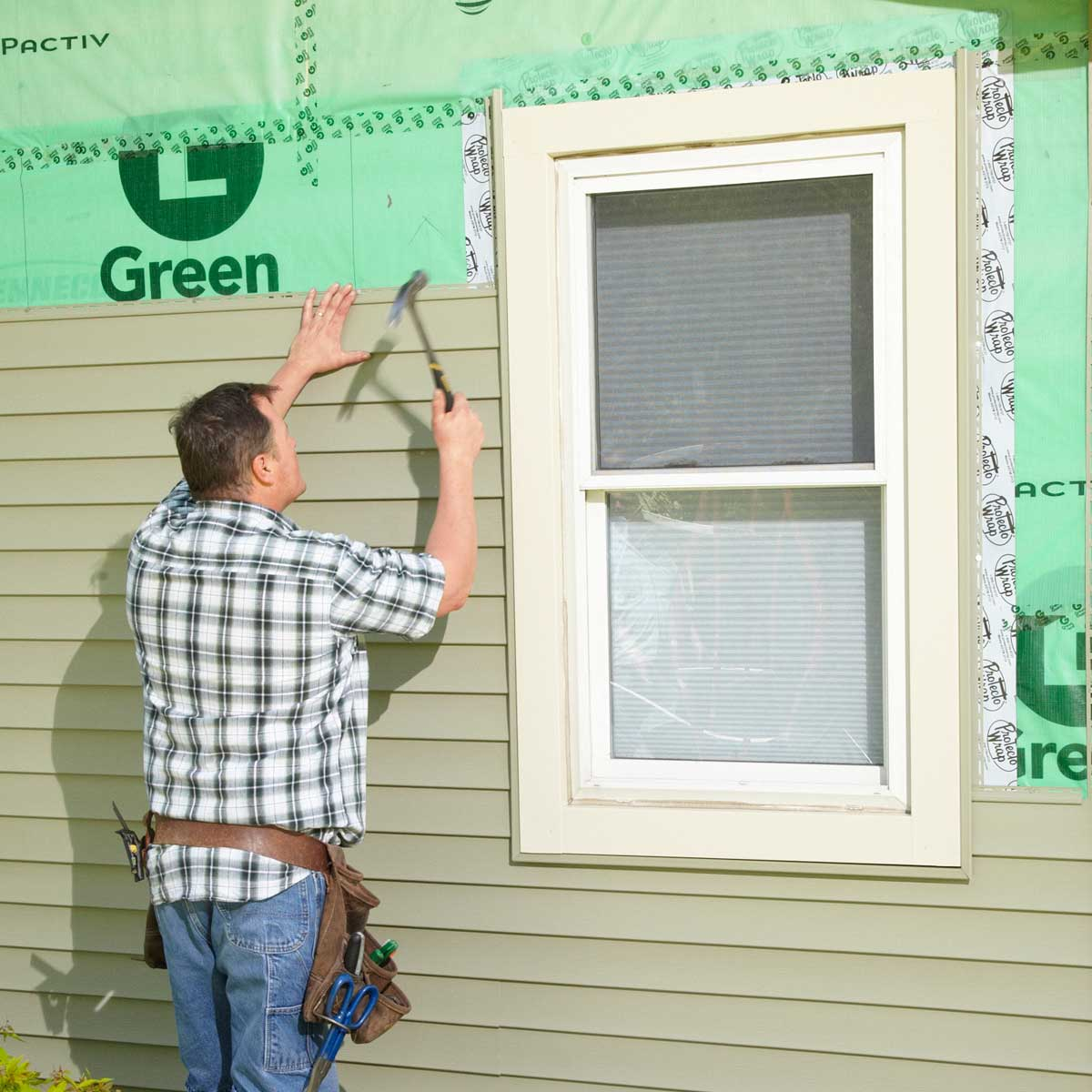 How to install vinyl siding: important   tips and basic steps
