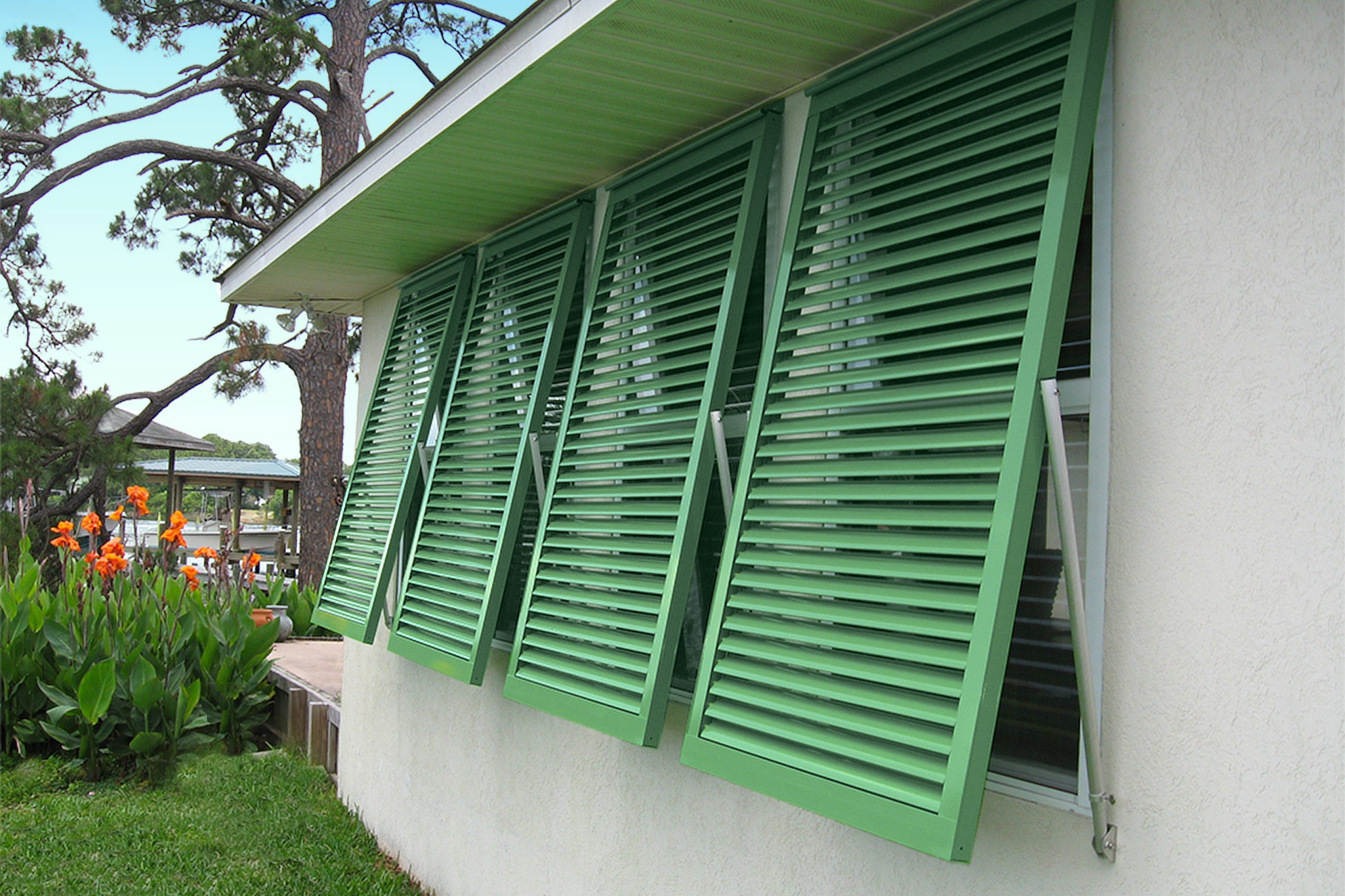 How to protect your windows from   hurricane and storm damage