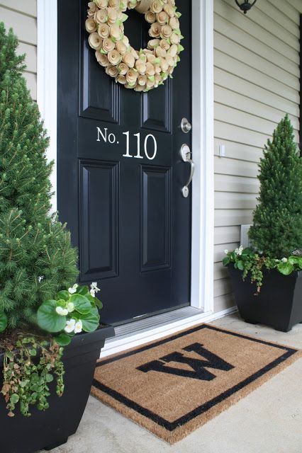 How To Decorate A Small Front Porch | Small porch decorating .