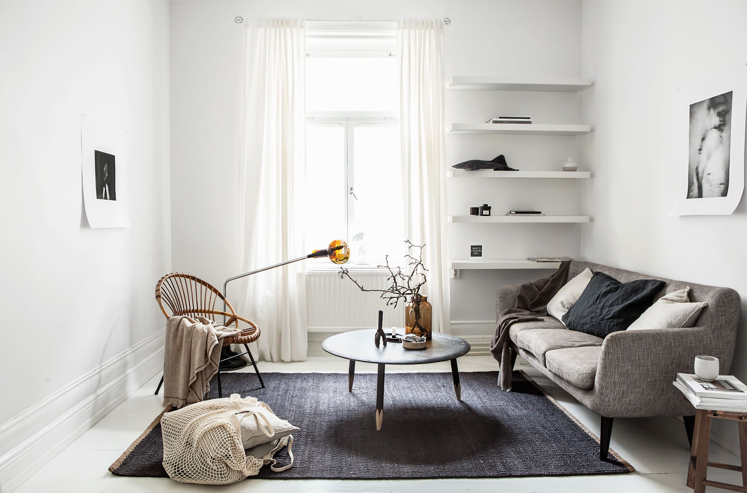 How to have a minimalist decor in your   home with no clutter