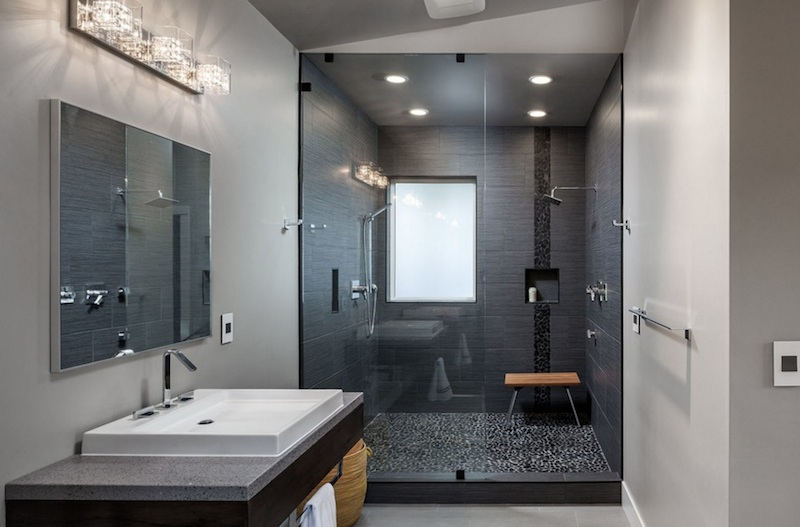 Modern looking bathroom decorating ideas