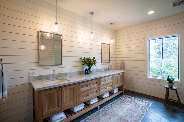 Your Guide to a Farmhouse-Style Bathroom - The Showroom at Rubenste