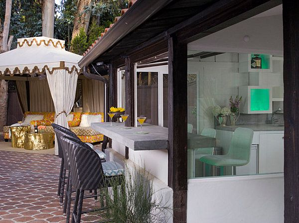 Breakfast Bars That Make a Stylish Statement | Outdoor dining room .
