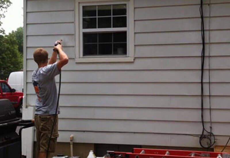 Removing Chalk Before Painting Aluminum Siding | Textbook Painti