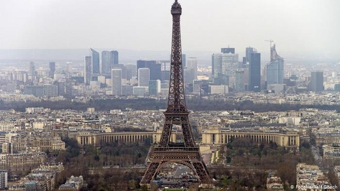 Will Paris′ plan to build 12 new skyscrapers ruin the city .