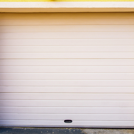 The Difference Between A Single Panel and Sectional Garage Do