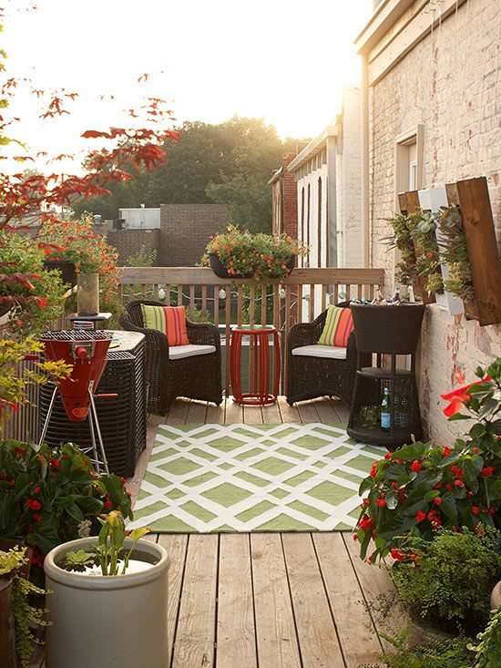 Small Deck Decorating | Inexpensive backyard ideas, Deck .